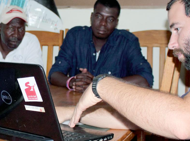 Con miembros de un CASEC (2)