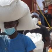 distribución de alimentos en Haití