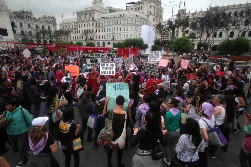 alianzaporlasolidaridad_mujeres_peru_25N